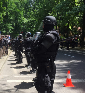 portland cops in riot gear